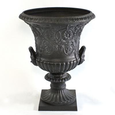 c437-large-cast-iron-garden-urn-for-front-entrance